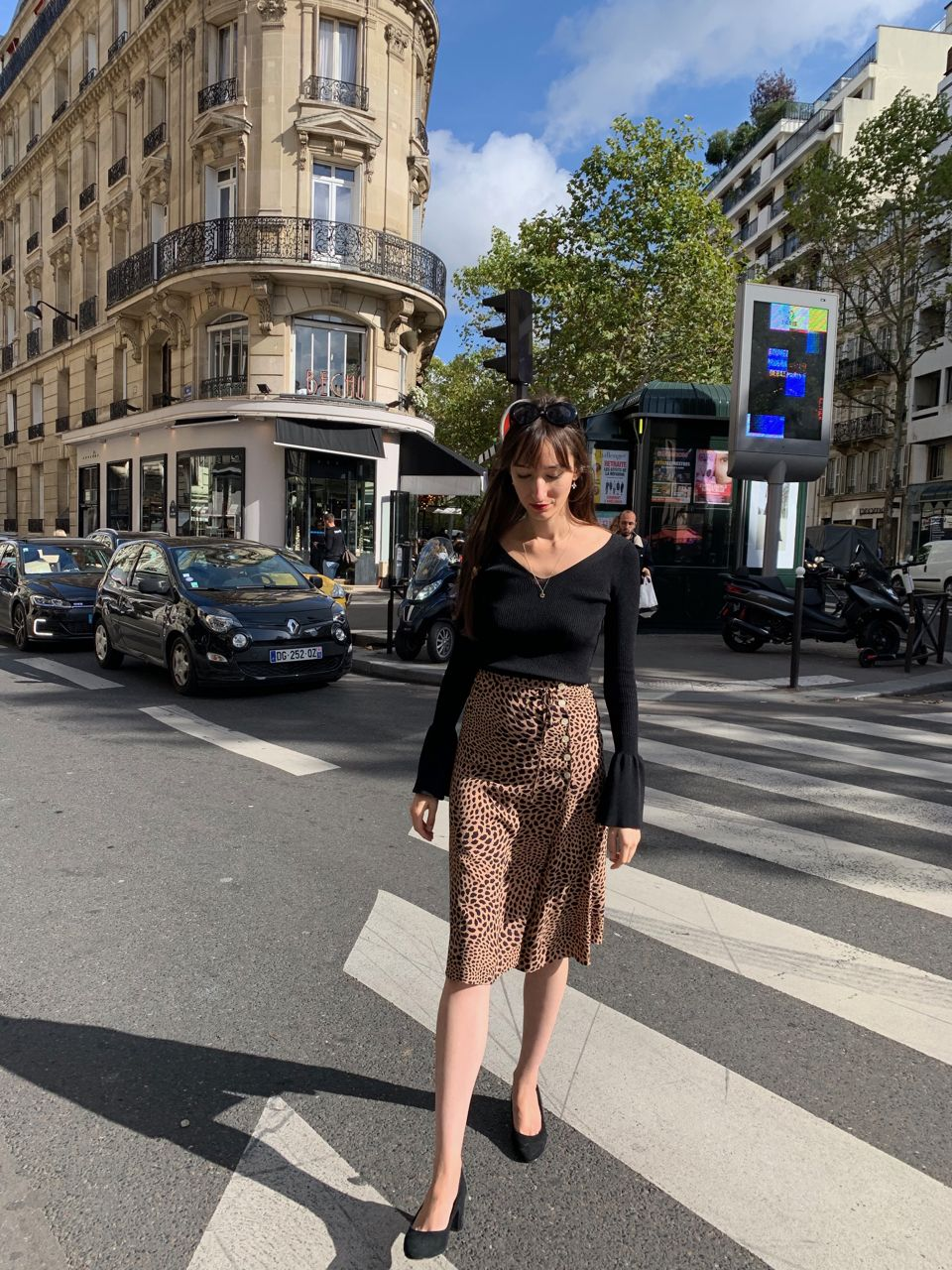 Early Fall Parisian Looks - Rouje skirt